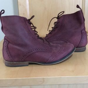 Wine colored Steve Madden ankle boots